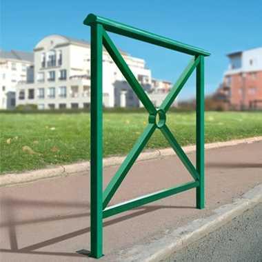 Bariera miejska z poręczą Lizbona zielona