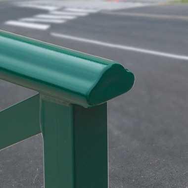 Bariera miejska z poręczą Lizbona poręcz zielona bariery