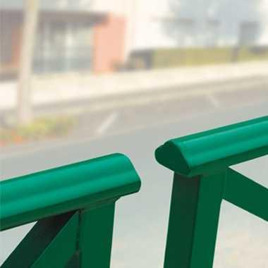 Bariera miejska z poręczą Lizbona zielona wykończenie
