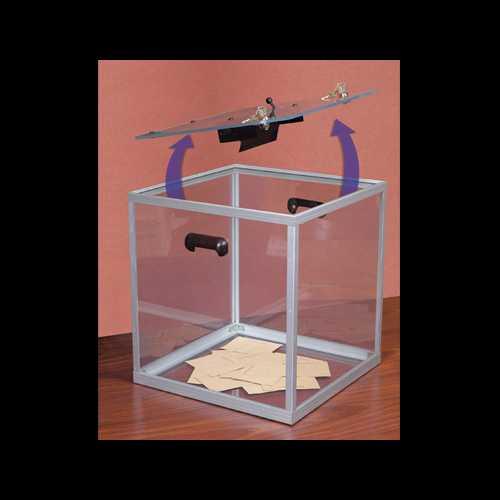 Urny wyborcze z pleksi otwarta